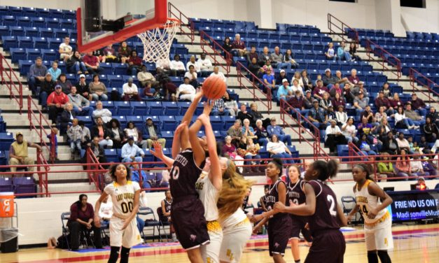 Sandiettes Withstand Comeback, Advance to Regional Quarters