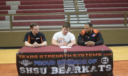 Riess Signs with SHSU