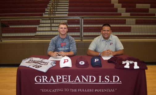 Two Sandies Sign Letters of Intent