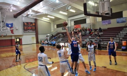Elks Suffer Defeat in Grapeland