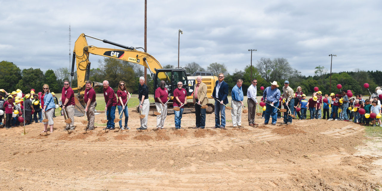 Grapeland ISD Breaks Ground on Elementary School