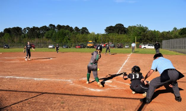 Pitching, Hitting Sparkle in Sandiettes' 10-0 Win